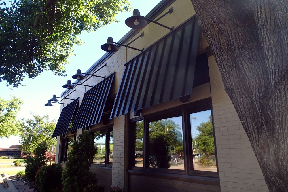 Chili's - Metal Awnings